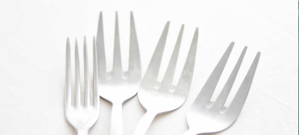 Chuť přestat používat plastové obaly a nádobí na jedno použití je celosvětová