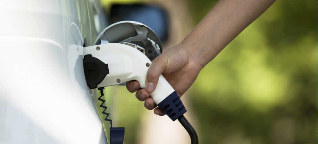 Eaton publishes new report highlighting opportunities in electric vehicle charging