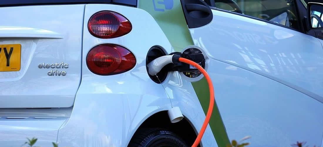 Nový průvodce pro přijetí elektrických vozidel pro podniky