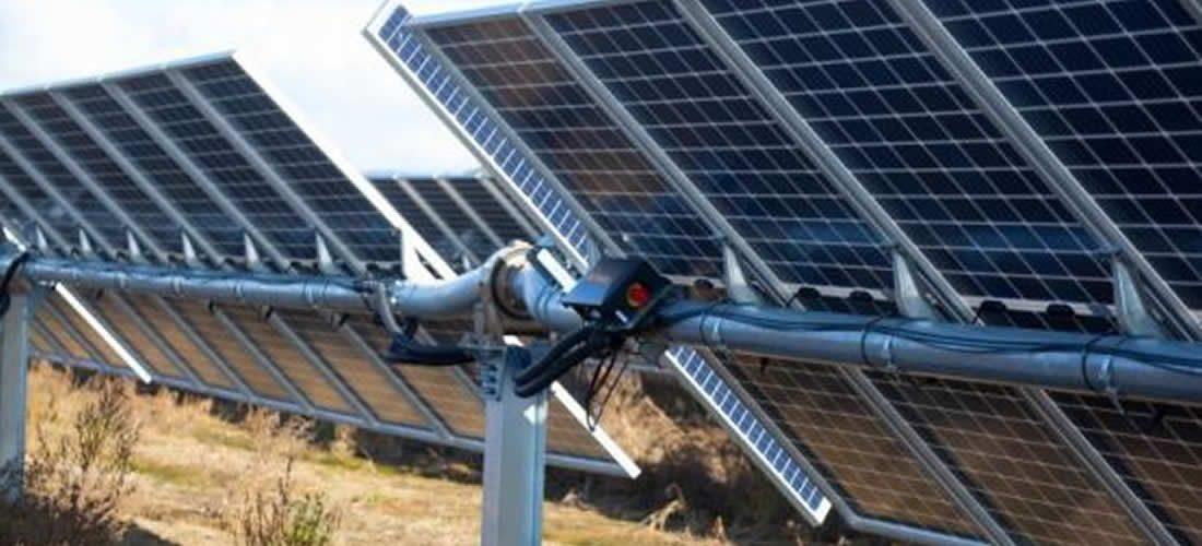 V Anglii byl dokončen projekt bifakálního solárního PV-plus-storage bez subvencí (anglicky)