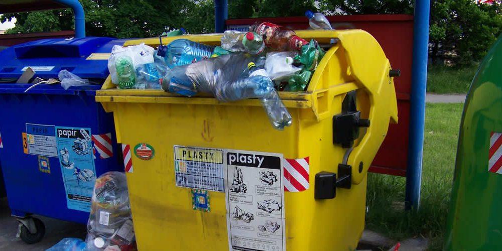Boj proti znečištění plasty a připojení se kAlianci na Konec Plastového Odpadu