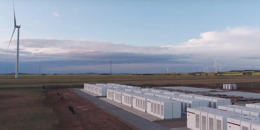 V Kalifornii začala výstavba obřího bateriového úložiště skapacitou 730 MWh