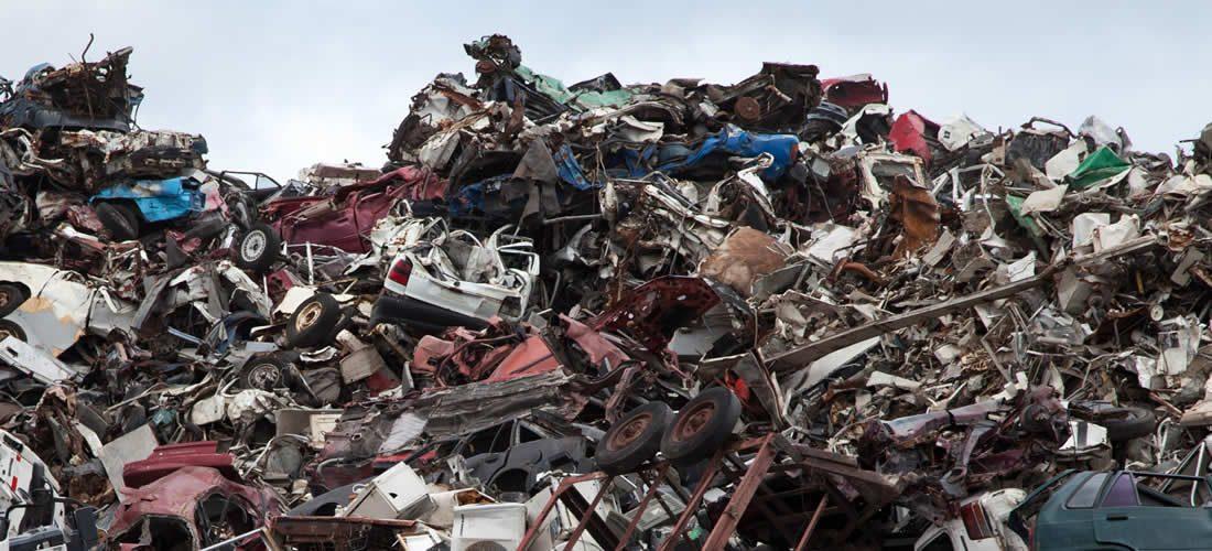 Mezinárodní společnosti se spojují, aby odstranily plastový odpad (anglicky)