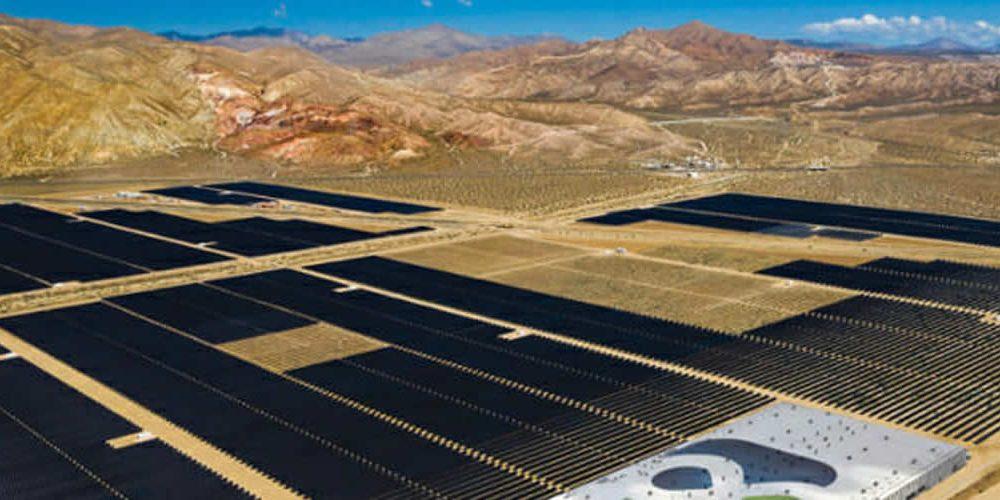 Skladování při 20 USD/MWh? Rozdělení levných smluv o prodeji solárních zdrojů vUSA (anglicky)