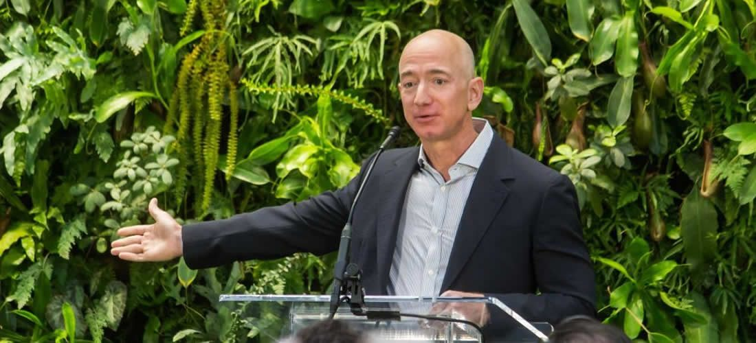 CEO Amazonu Jeff Bezos se zavazuje, že bude bojovat proti změně klimatu ve výši 10 miliard dolarů (anglicky)