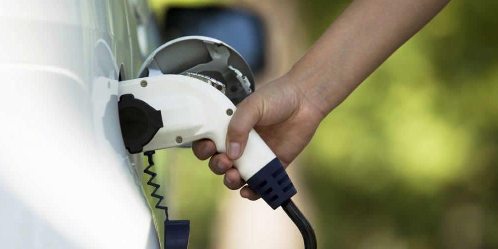 Společnost Eaton zveřejňuje nové možnosti nabíjení elektrických vozidel (anglicky)