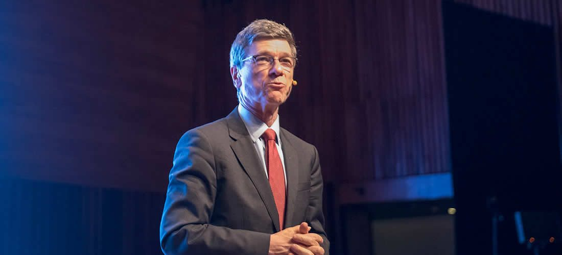 Jeffrey D. Sachs varoval vPraze před následky globálního oteplování
