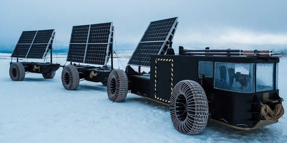 Solar Voyager vyrobený zrecyklovaného plastu pro antarktickou expedici (anglicky)
